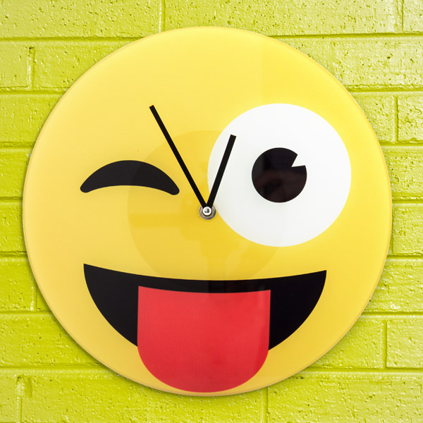 Emoji Wink Fali óra