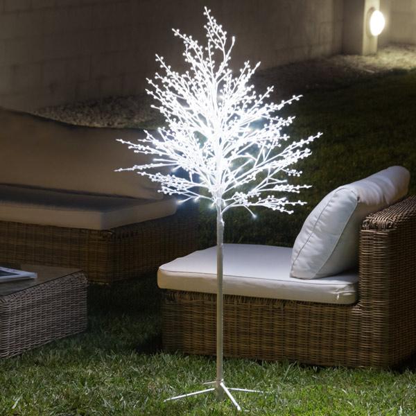 Dekoratív Hófödte Fa (120 LED)