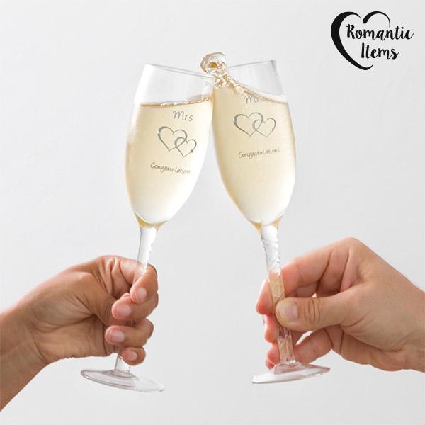 Romantic Items Mr & Mrs Congratulations pezsgőspoharak (2 darab)