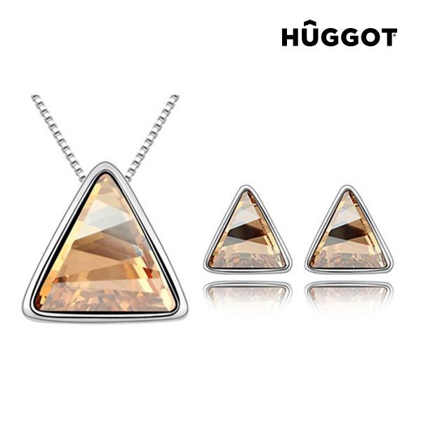 Conjunto Bañado en Rodio: Colgante y Pendientes Triangle Hûggot Creados con Cristales Swarovski® (45 cm)