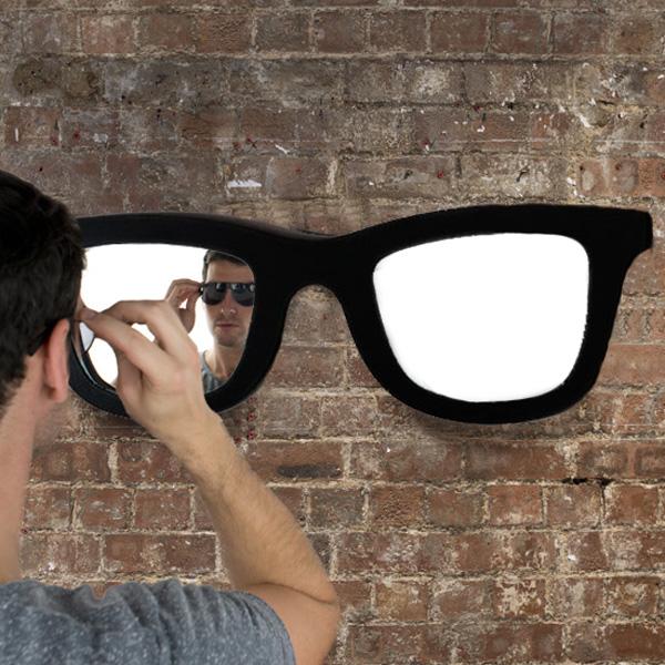 Ogledalo v Obliki Očal
